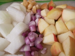 Onion, shallot, apple and garlic.